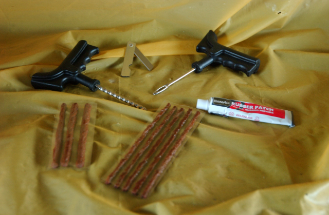Emergency Tyre Repair Kit Suit Car / 4wd / Truck / Pram etc