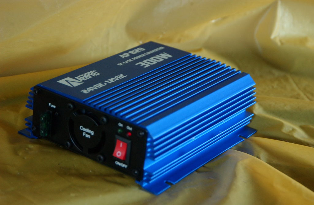 Voltage Reducer 24v - 12v 30A Arepro with cooling fan 24 12 volt